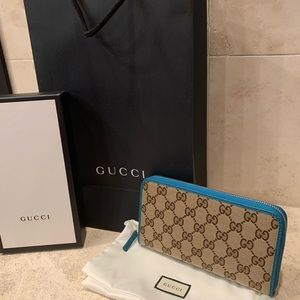 Gucci logo Canvas Woman's Wallet Authentic NEW